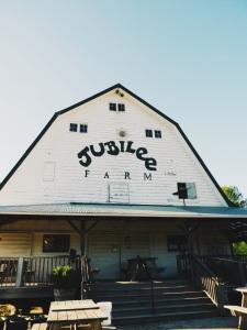 Jubilee barn